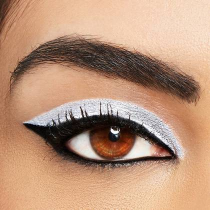 6-maybelline-eyeliner-black-white-look-1x1