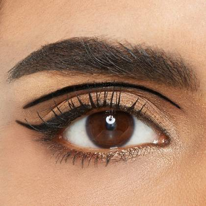 7-maybelline-eyeliner-floating-crease-look-1x1(1)